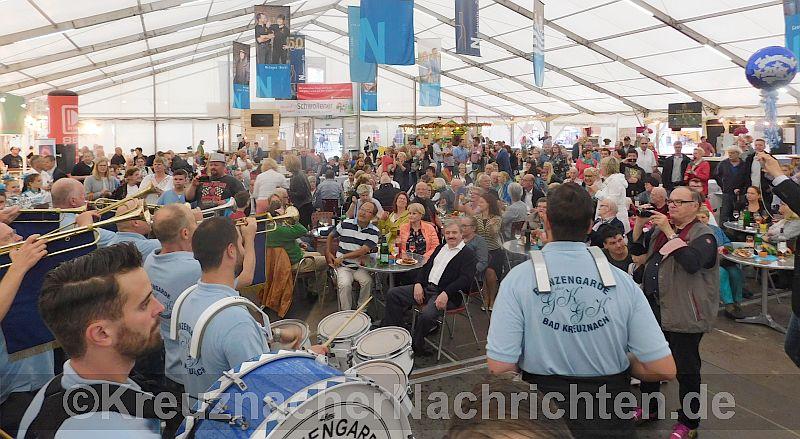 Jahrmarkt KH 2017 Eröffnung Zelt
