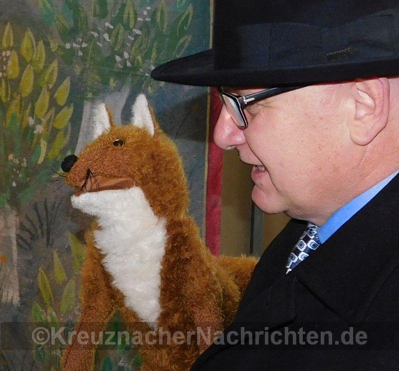 Zwei schlaue Füchse: Der Fuchs aus dem PuK und  Gewobau-Geschäftsführer Karl-Heinz Seeger