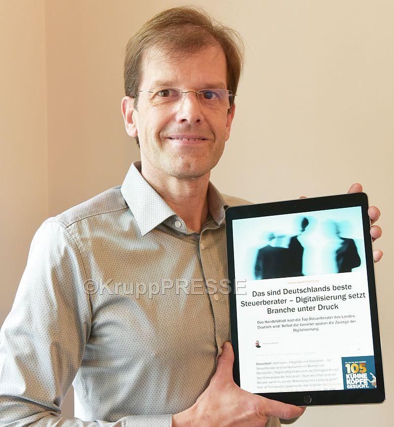 """Der 47-jährige Dipl. Betriebswirt (FH) Patrick Weber aus Rüdesheim zählt zu den 592 besten Steuerberatern Deutschland, die bei einer Studie im Auftrag der Finanzzeitung """"Handelsblatt"""" ermittelt wurden. Foto: KruppPresse"""